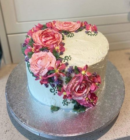 Cake with flower details